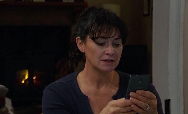 Moira contacts Nate's mum Cara