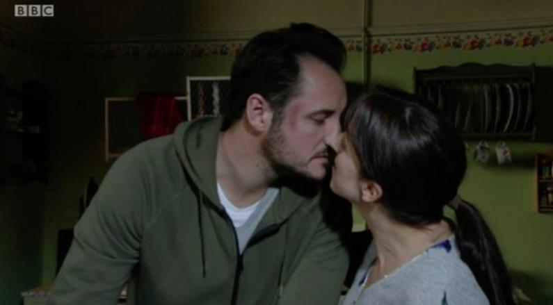 Martin Sonia kiss