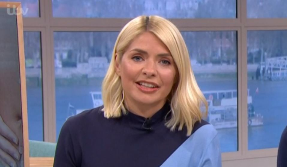 Holly Willoughby fans divided over her £295 dress on This Morning