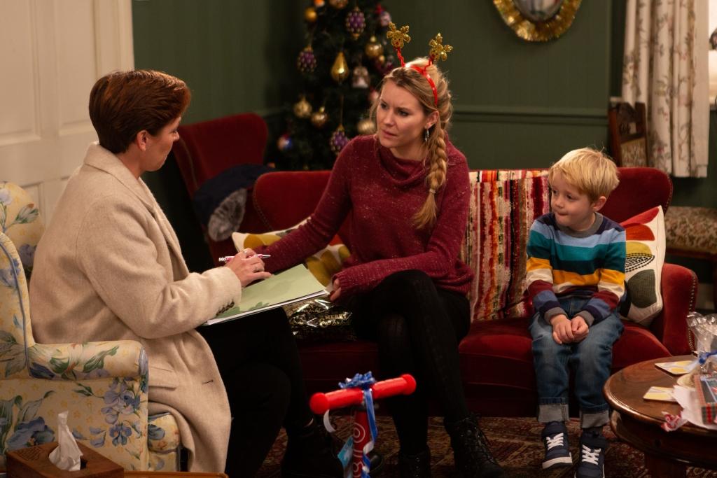 Emmerdale viewers recognise CBeebies star as Dawn's social worker