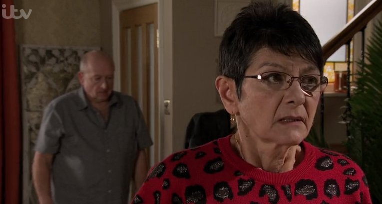 Coronation Street viewers want Yasmeen to kill Geoff and feed him to the chickens
