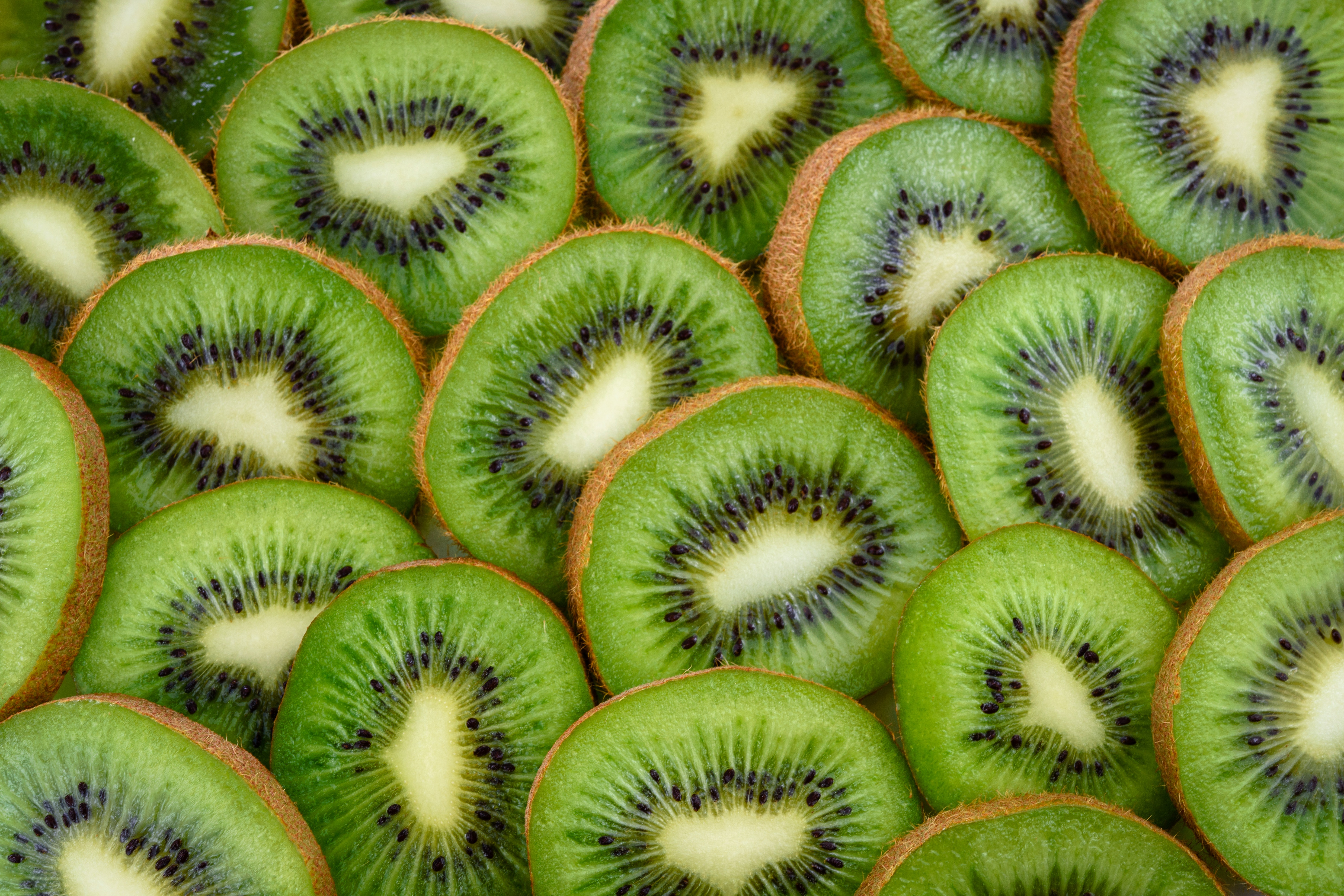 Customers brand KIWI FRUIT PIZZA an 'unholy abomination'