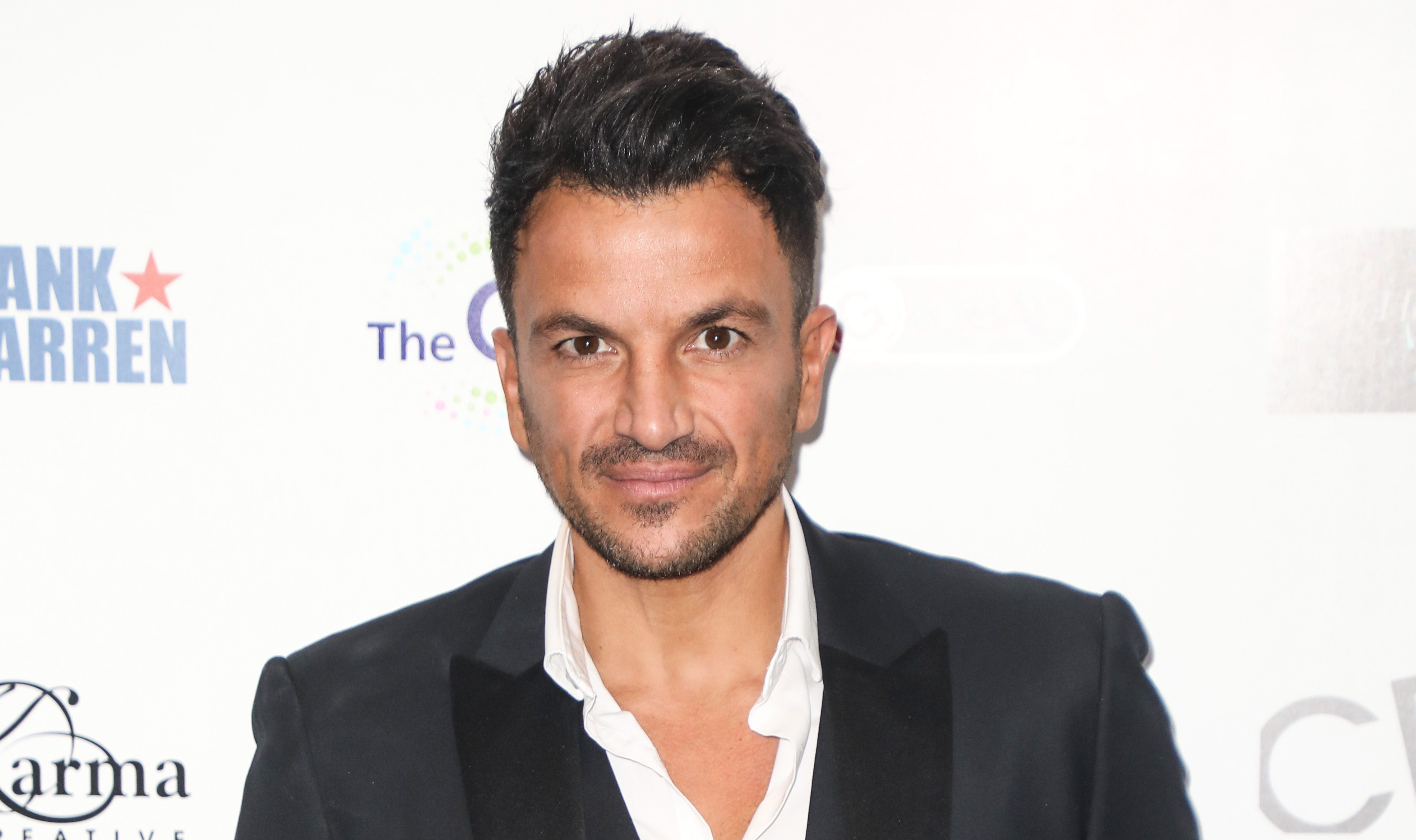 Peter Andre treats fans to glimpse of daughter Amelia as she plays hockey