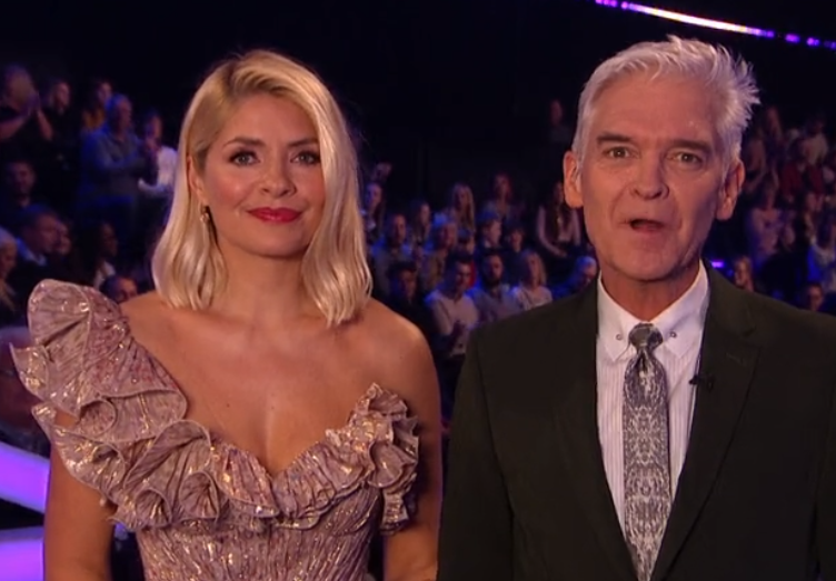 Dancing On Ice: Holly Willoughby awkwardly blocked by Phillip Schofield as he takes over live interview