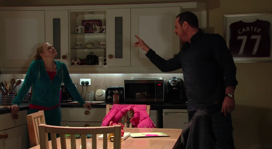 Mick and Linda row EastEnders