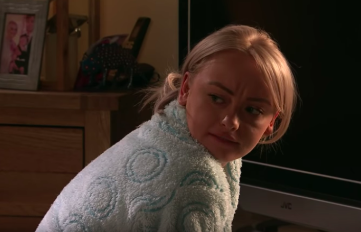 Corrie fans disgusted as Bethany wears Sinead's dressing gown