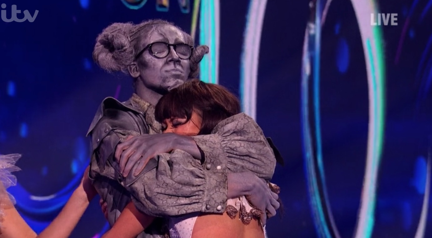 Dancing On Ice viewers defend Perri Kiely after his score is branded a 'fix' due to 'fall'