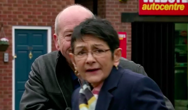 Corrie fans sickened as Geoff gives Yasmeen a FIVER for Blackpool trip