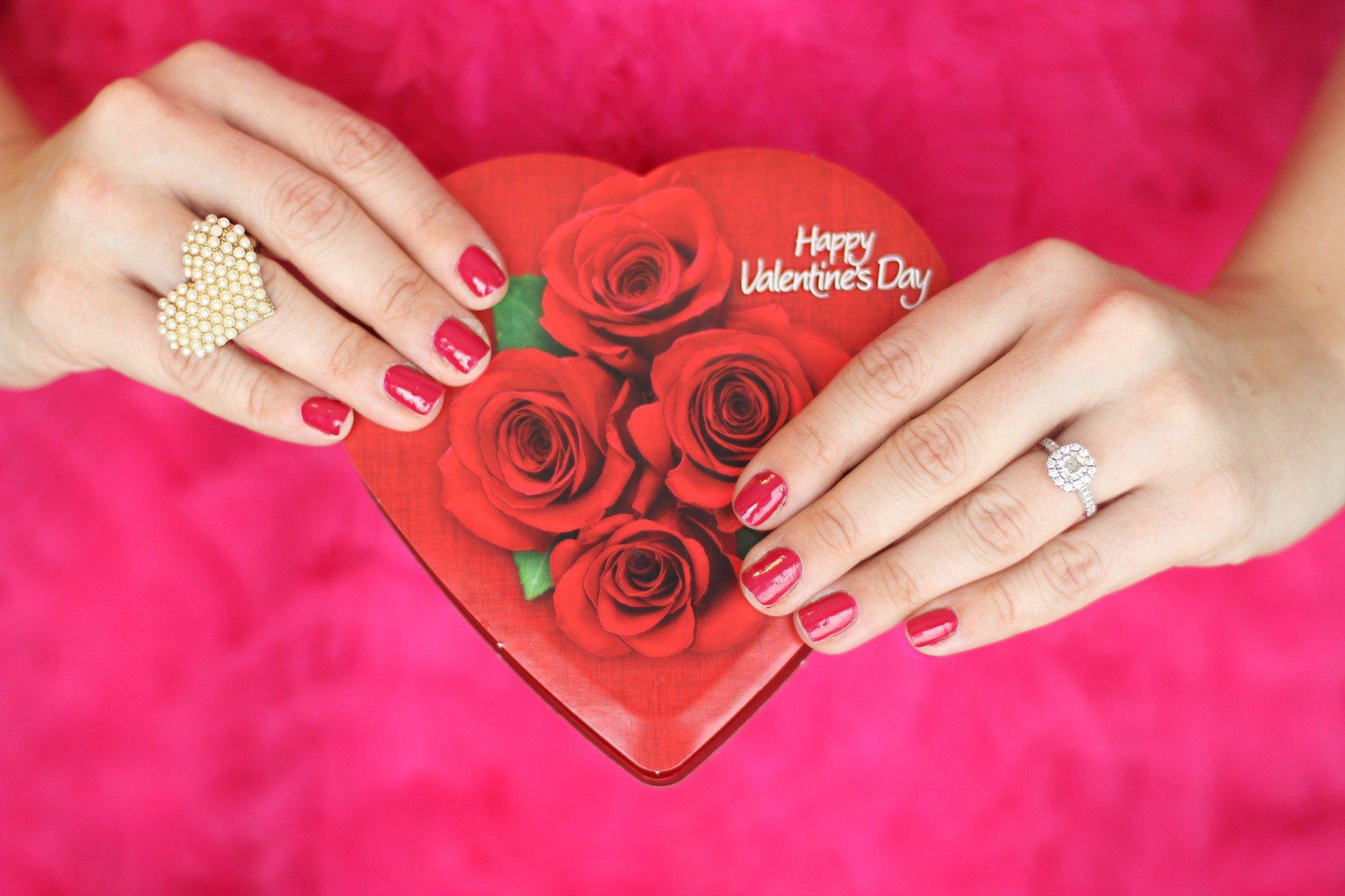 https://cdn.entertainmentdaily.com/2020/02/13104733/valentines-day-2042048_1920.jpg