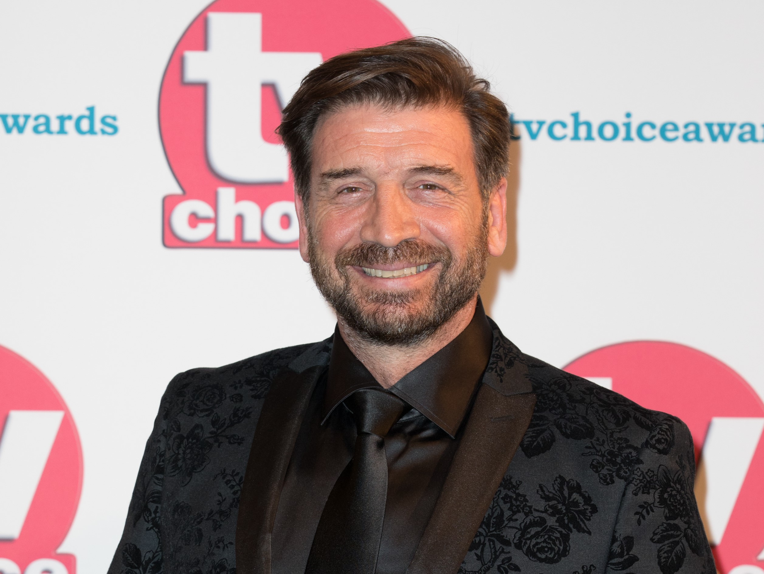 https://cdn.entertainmentdaily.com/2020/02/14131818/Nick-Knowles-3-2.jpg