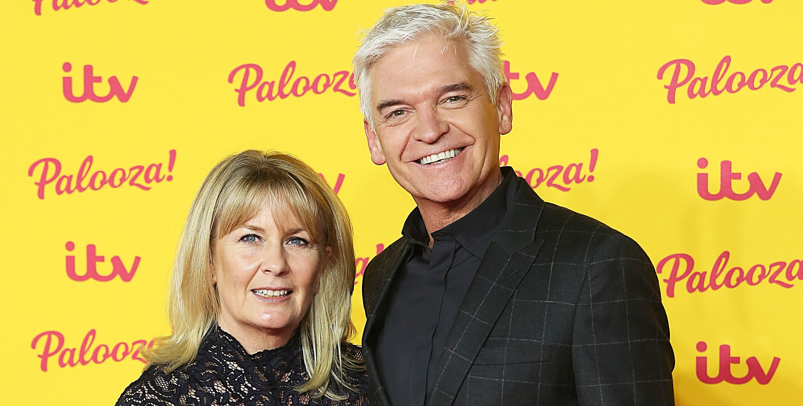 Phillip Schofield takes trip to Paris with wife and daughters