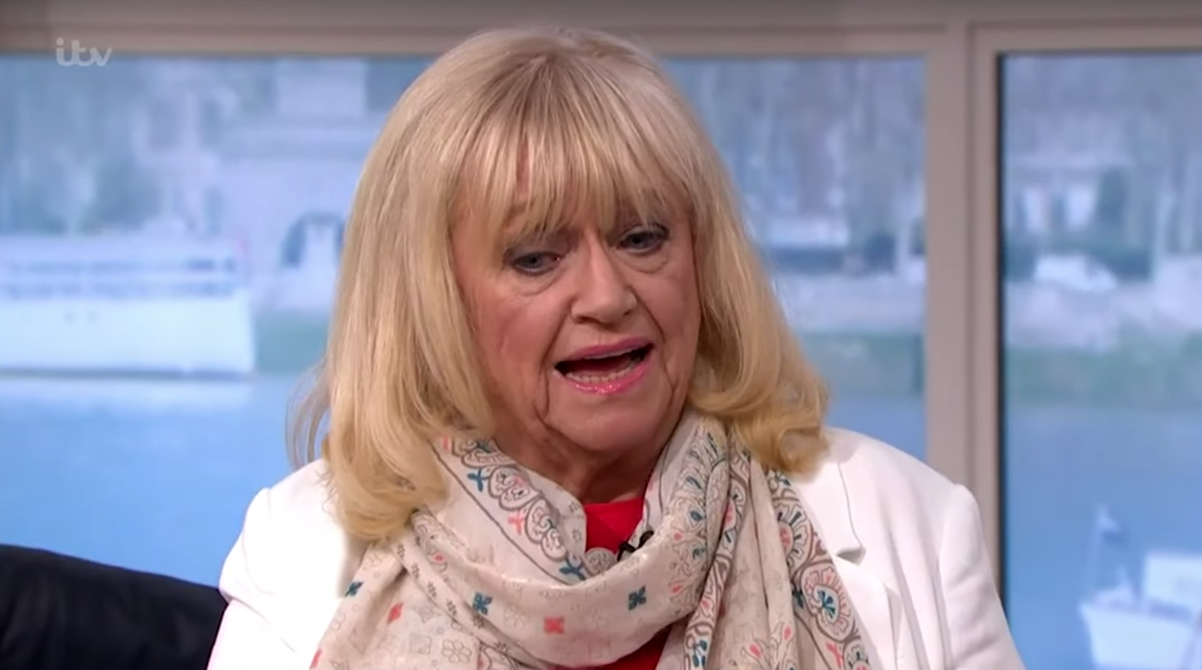 This Morning fans horrified as Judy Finnigan picks her TOES during Ant and Dec chat