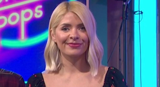 Holly Willoughby hits a style high as This Morning viewers declare they 'want her dress'