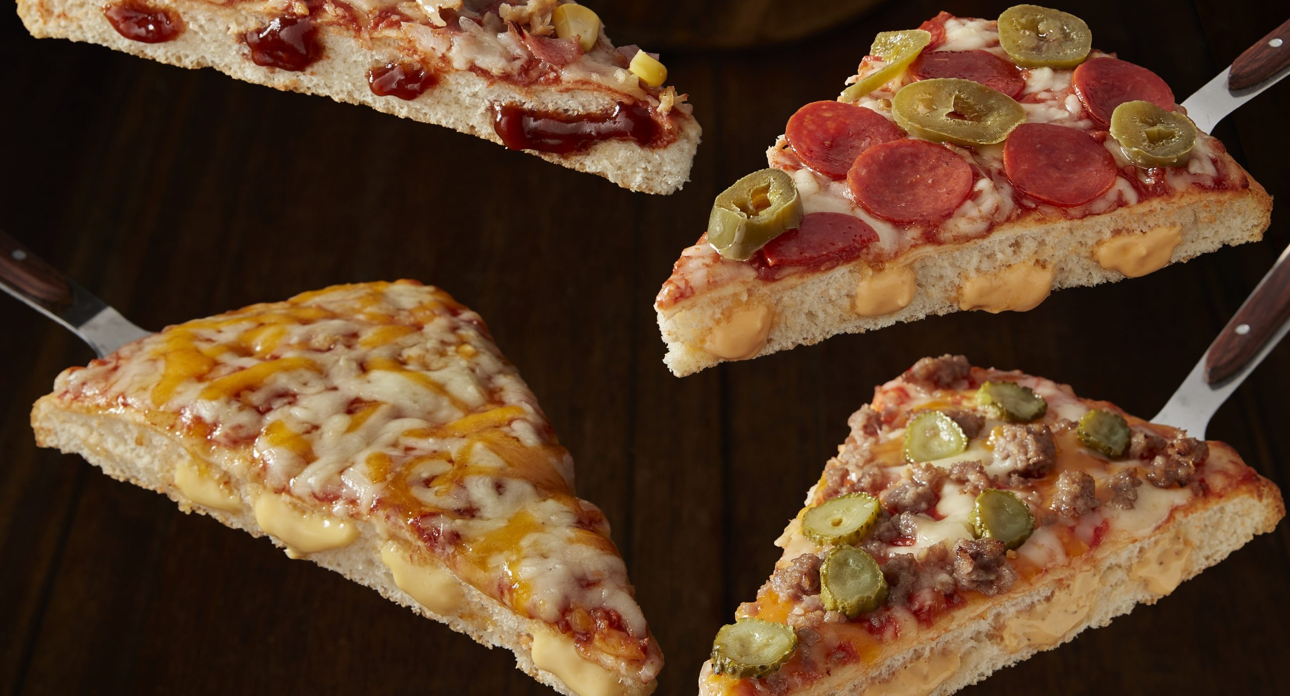 Shoppers are 'dribbling' over Iceland's new cheeseburger pizza with burger sauce in its base