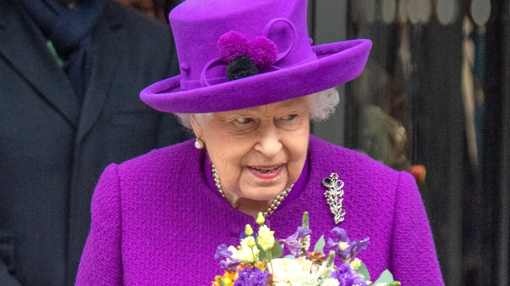 Royal fans praise the Queen for her 'beautiful' tribute to Prince Harry