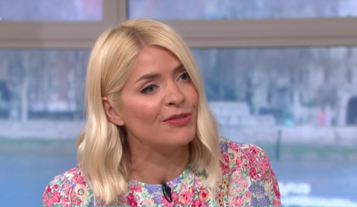 Holly Willoughby fans say she's 'brightened up a dull day' with This Morning outfit