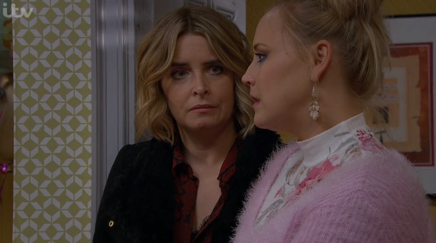 Emmerdale viewers slam Tracy as she lays into Charity