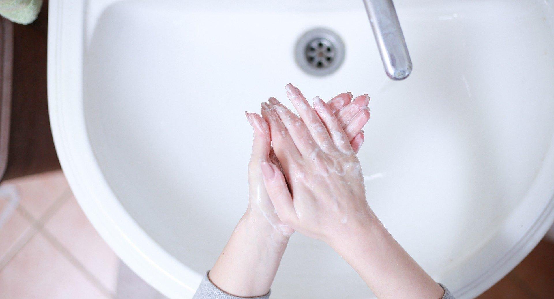 Coronavirus crisis: How to make your own hand sanitiser using three simple ingredients