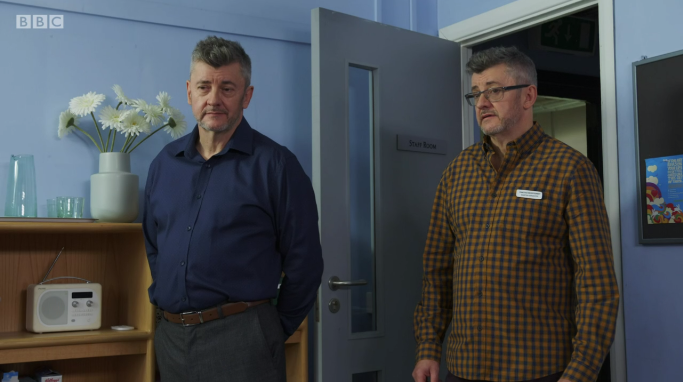 Joe Pasquale plays multiple characters in 'baffling' Doctors episode