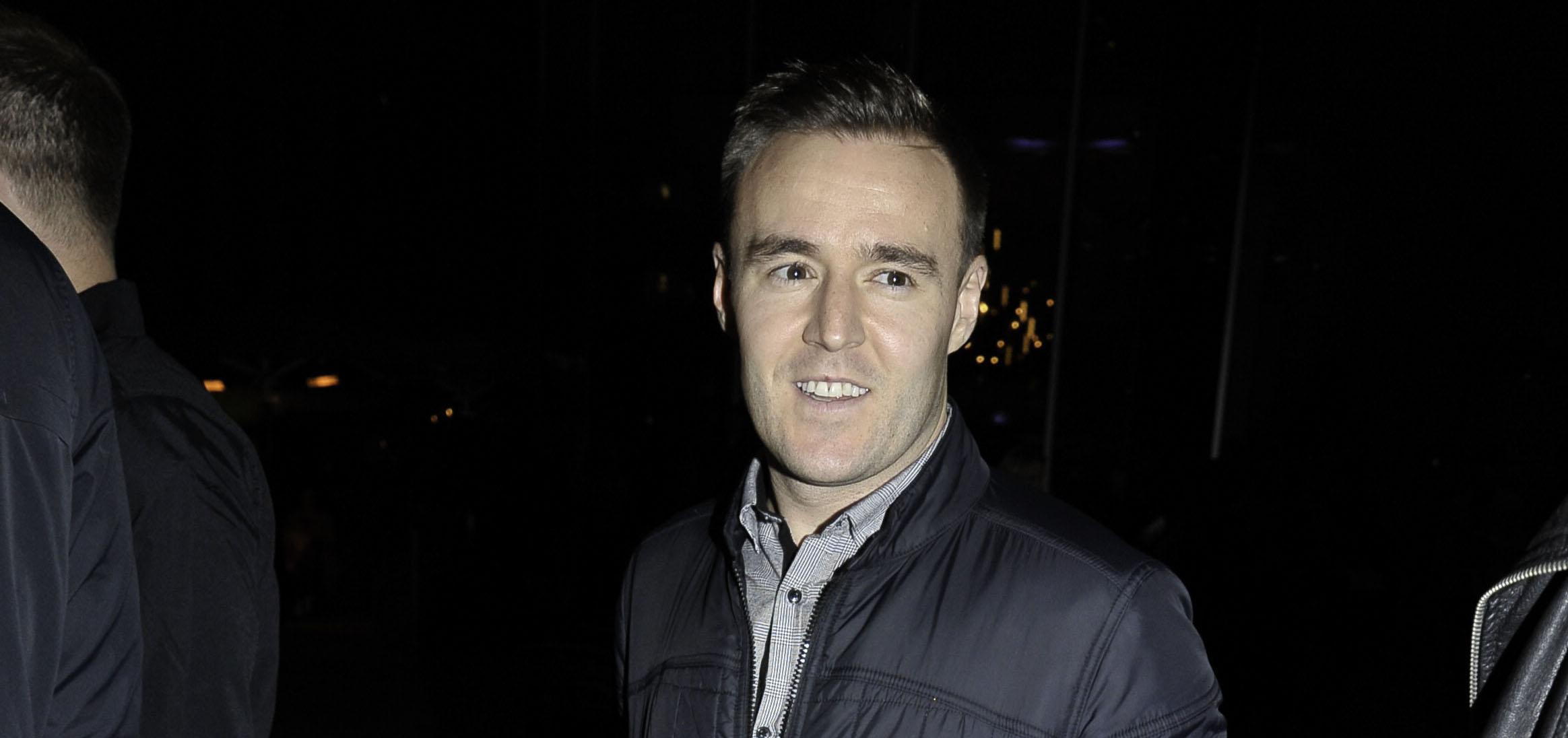 Coronation Street's Alan Halsall concerns fans with 'self-quarantine' post
