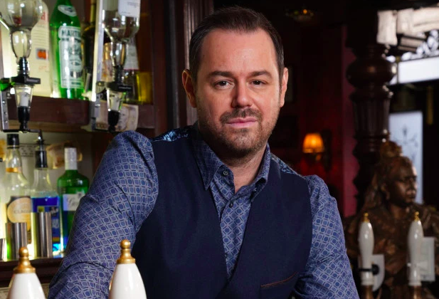 EastEnders SPOILERS: Mick Carter 'quits as landlord of The Queen Vic'