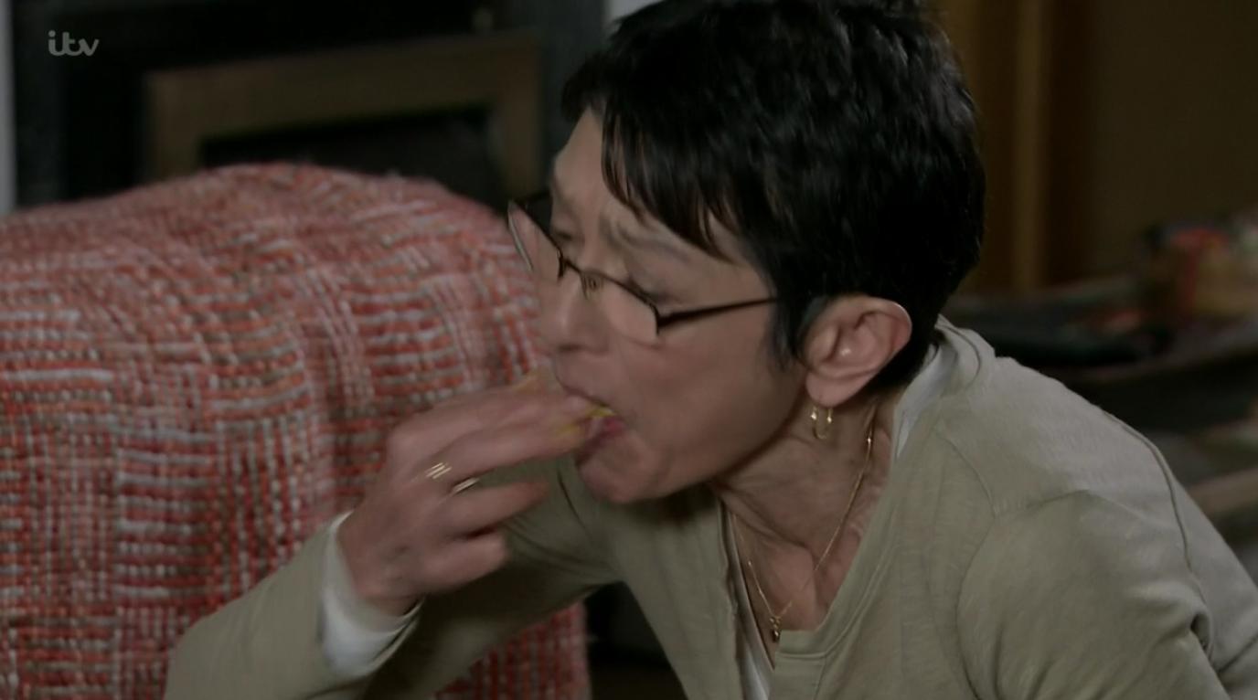 Yasmeen eats off the floor