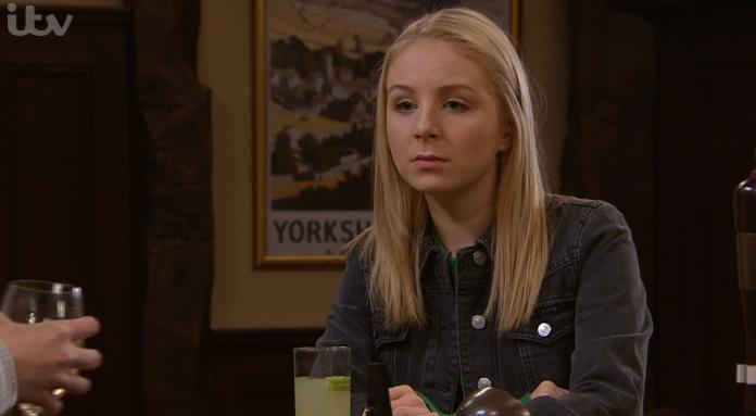 Emmerdale SPOILERS: Belle feels awkward around Andrea