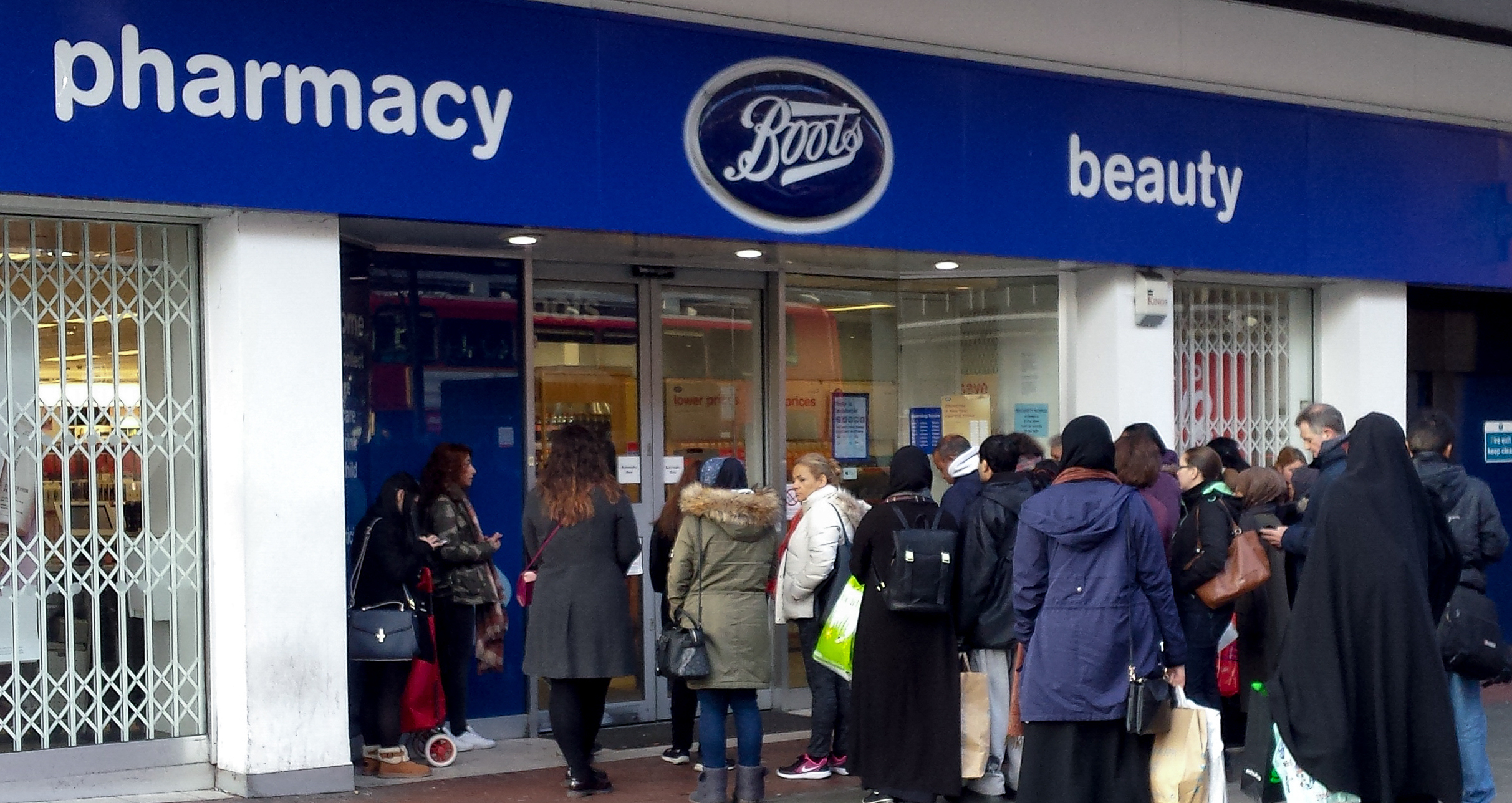 Coronavirus: Shoppers 'angry' as Boots 'opens late' and closes 'for lunch'