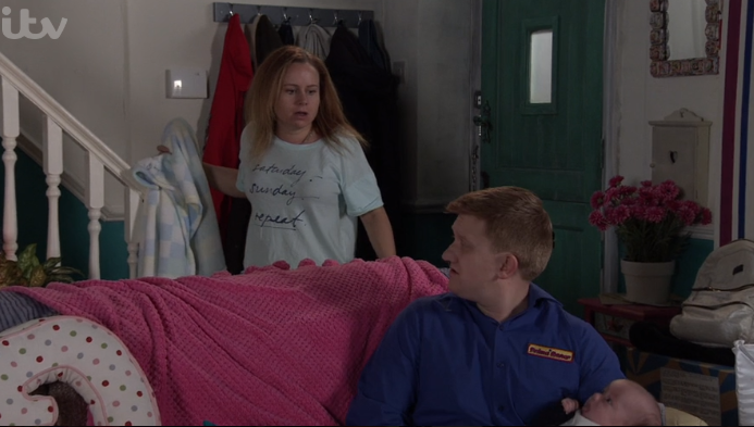 Coronation Street viewers complains as Gemma puts Aled in washing machine