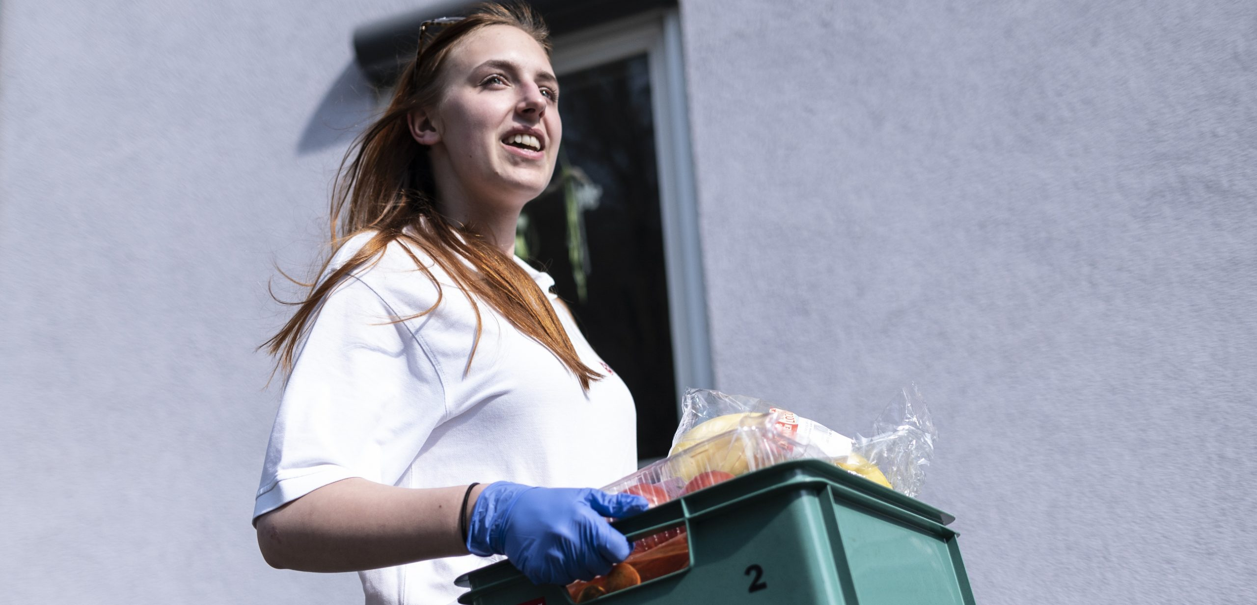 Coronavirus: Shameless Brits are stealing food parcels for the vulnerable from their doorsteps