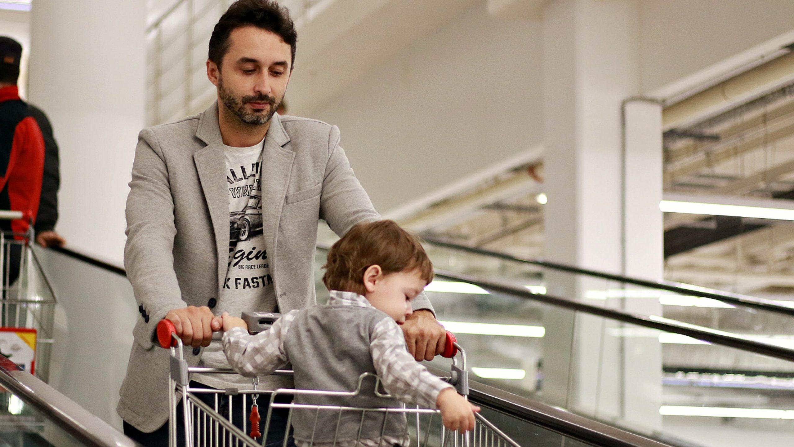 Shoppers slam Asda, Sainsbury's, Tesco and Aldi as they 'ban' parents from bringing children into store