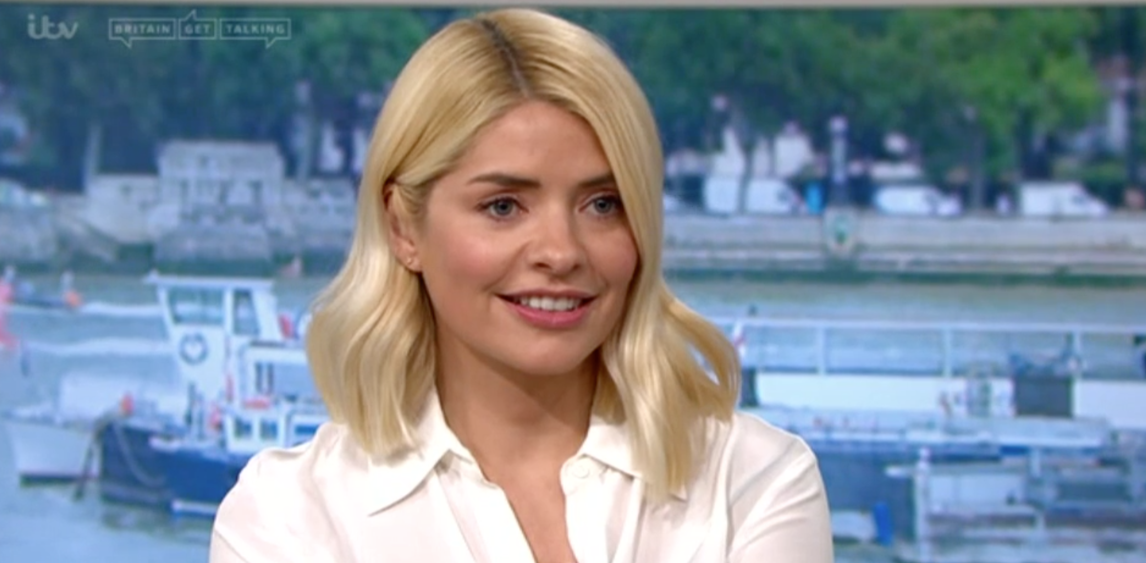 TV viewers amazed to see Holly Willoughby actually wear the same thing twice