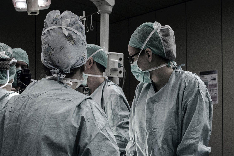 UK coronavirus death toll rises by 621 to 4,934