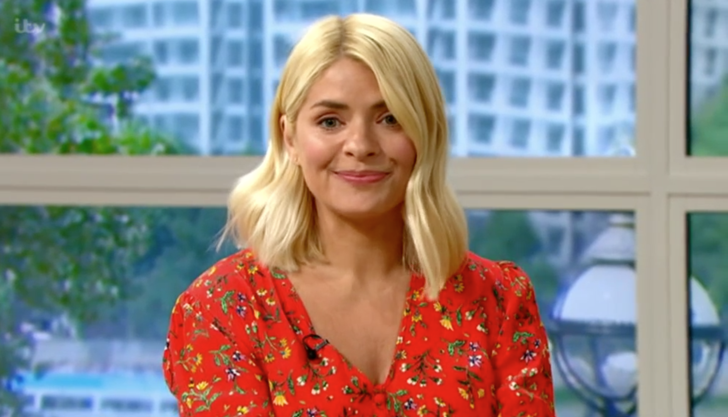 This Morning viewers thank Holly Willoughby for bringing the sunshine in her glorious summer dress