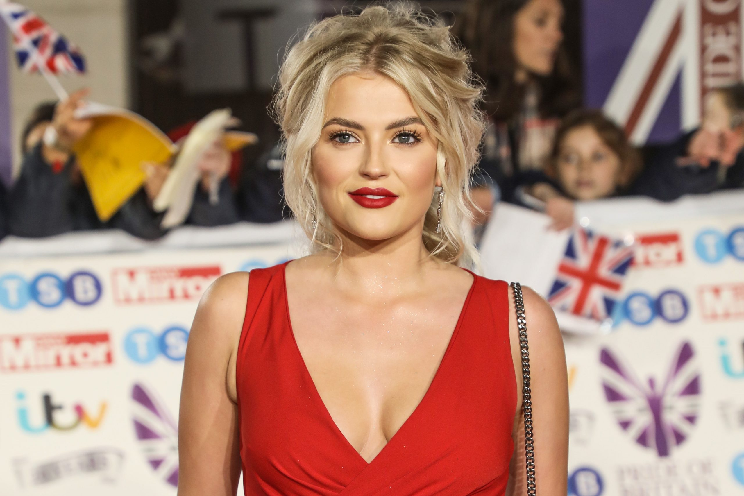 Former Coronation Street star Lucy Fallon dyes hair peach in lockdown