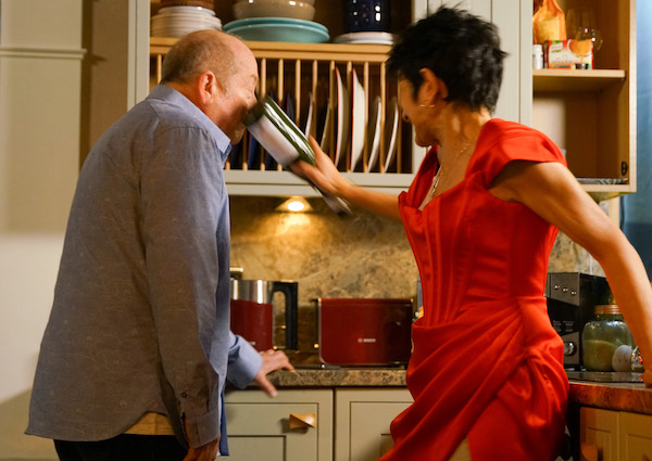 Coronation Street's Geoff attacked by Yasmeen