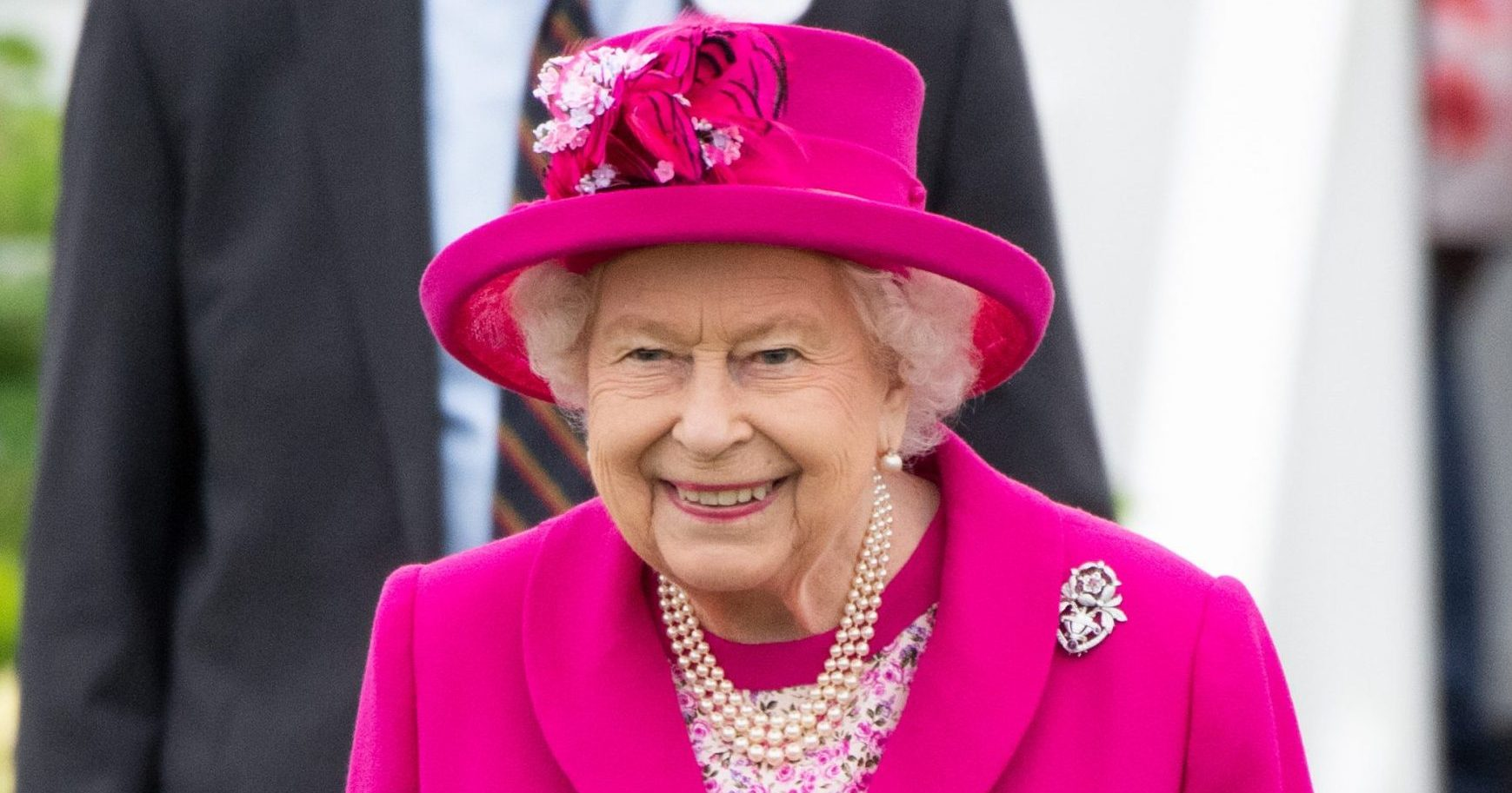 Brits asked to sing for The Queen birthday