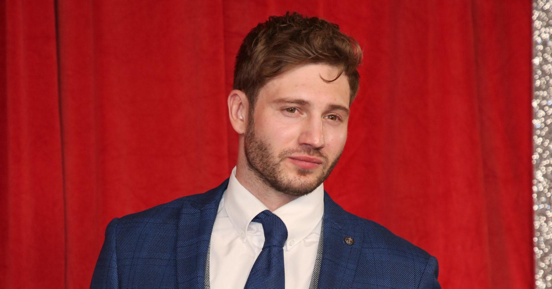Emmerdale actor Alexander Lincoln who plays Jamie Tate shaves his hair off in lockdown