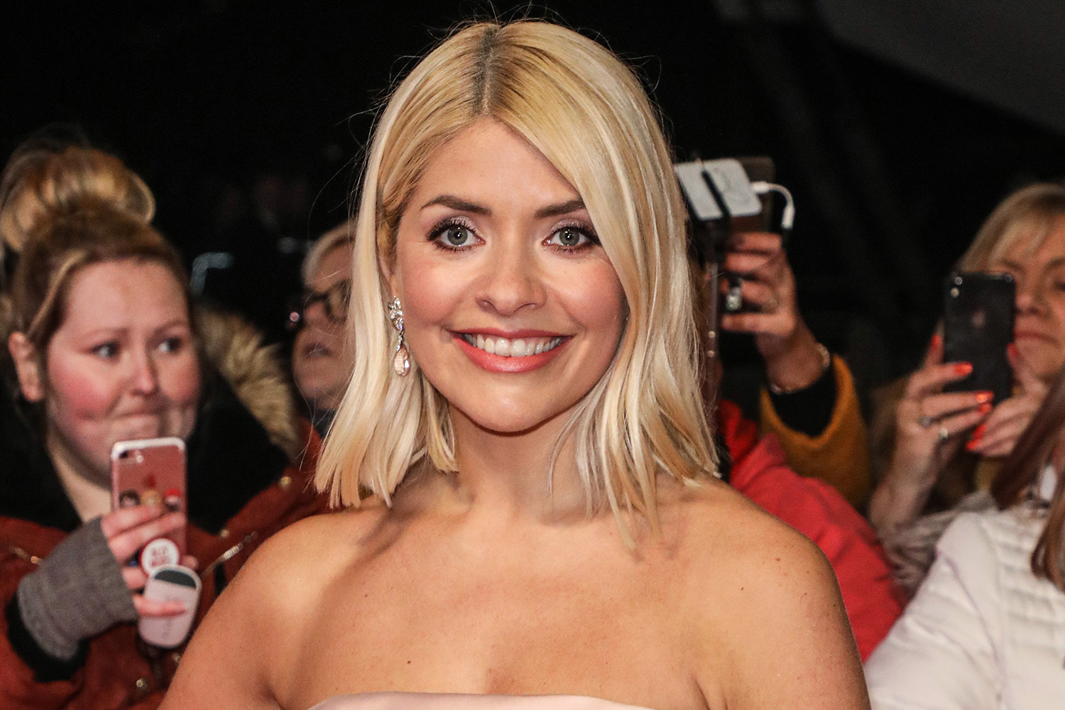 Holly Willoughby shares cute photo with son Chester as they pay tribute to NHS