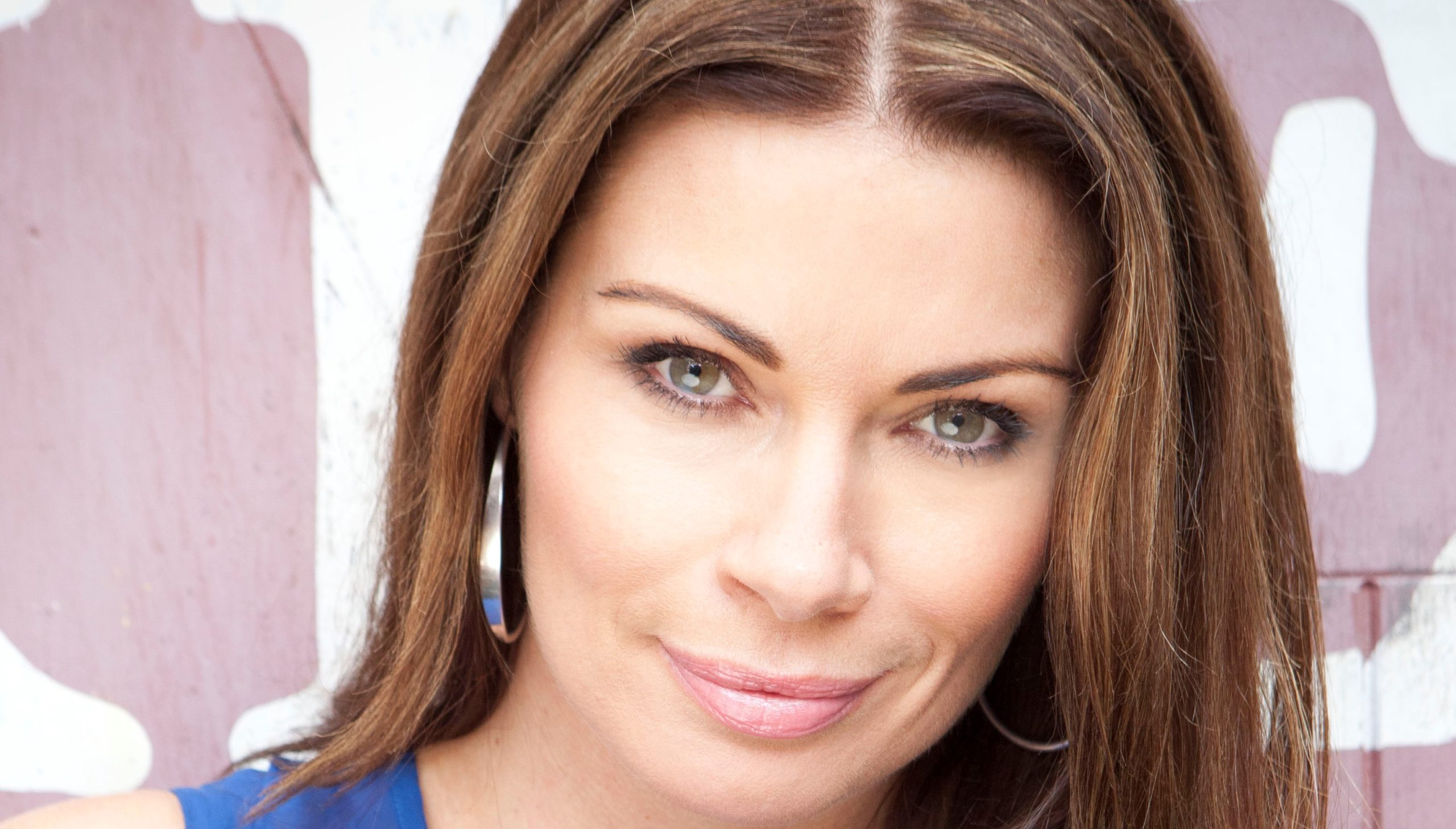 Coronation Street fans thrilled to see Carla not wearing black!