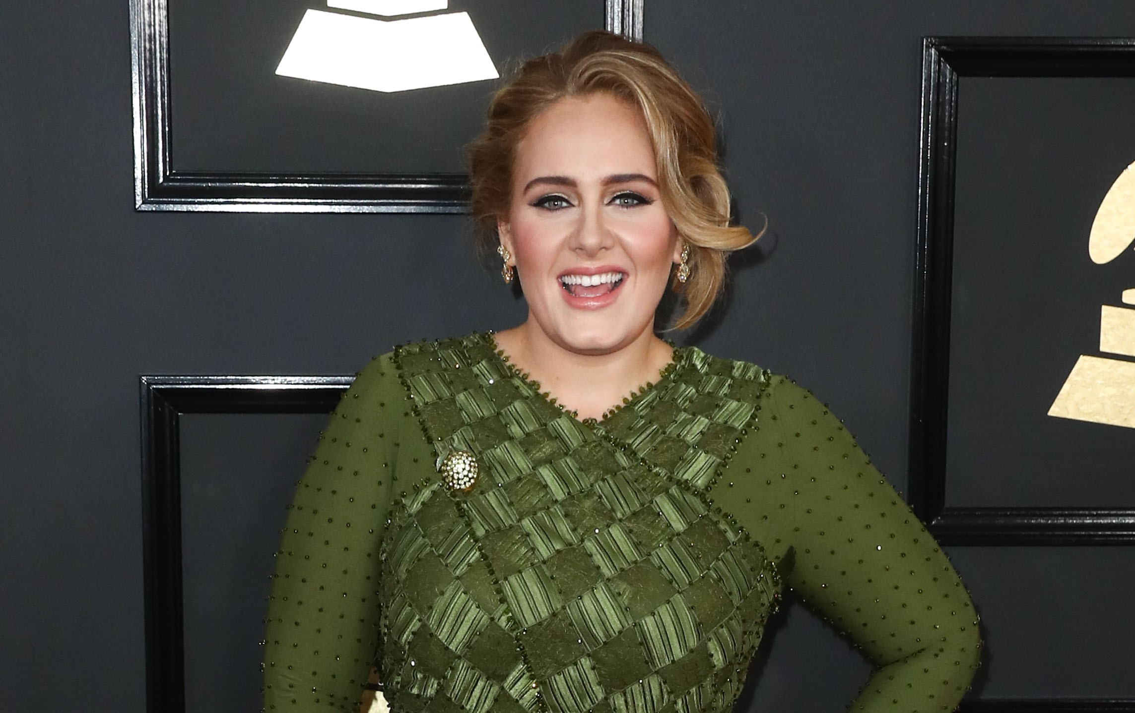 Adele shows off new look after wowing with weight loss