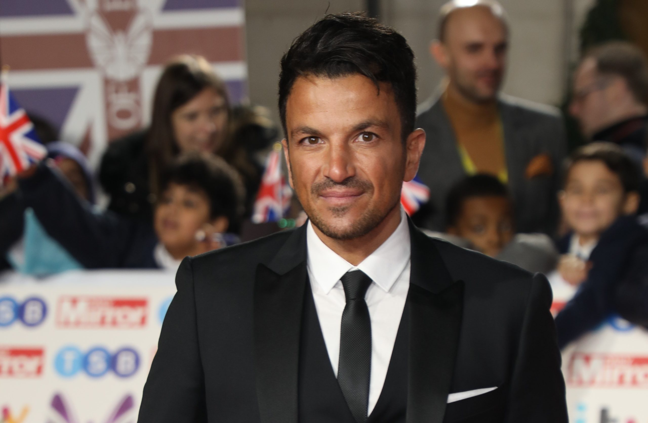 Peter Andre vows to work in Tesco with Jason Manford to help out in coronavirus crisis