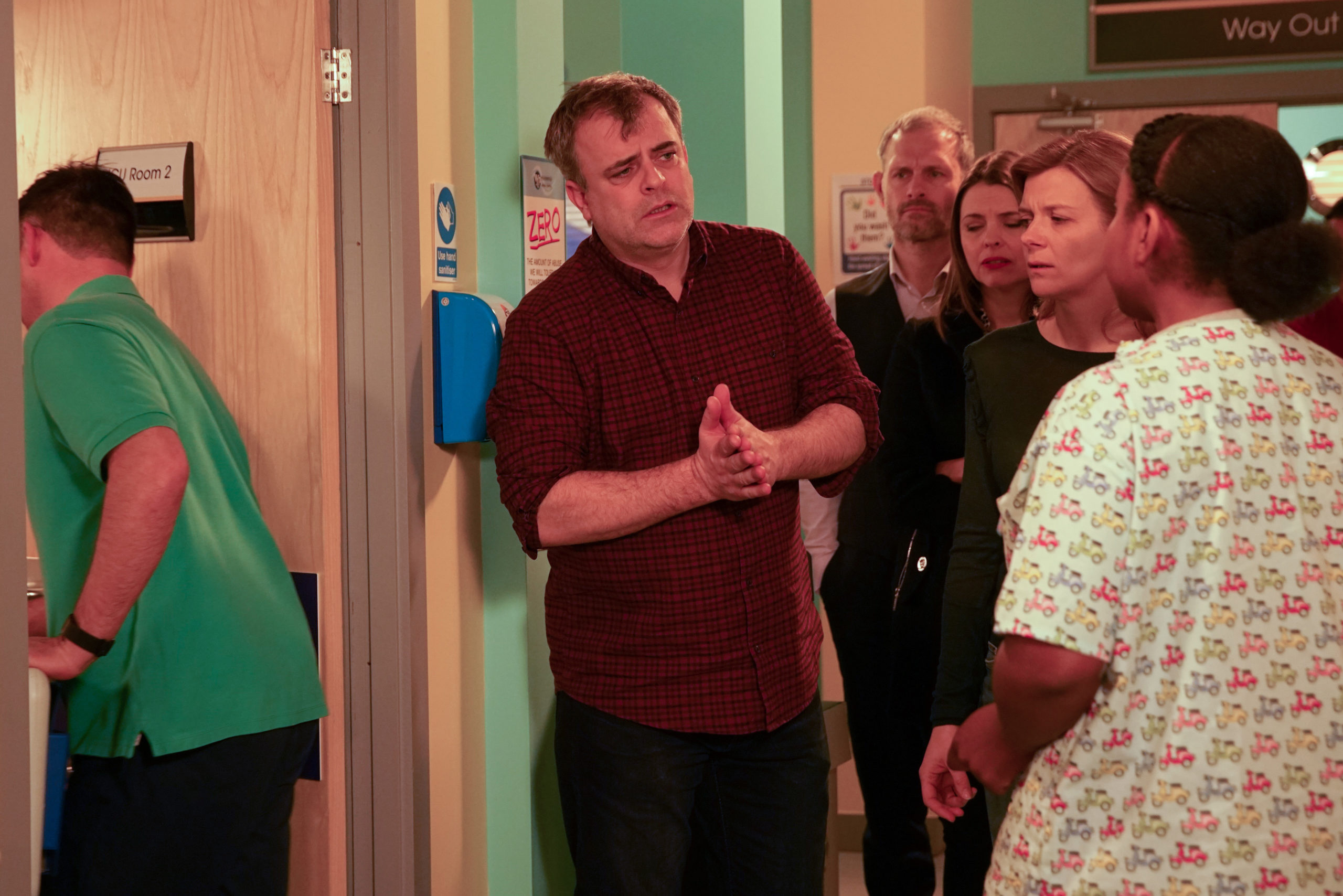 Coronation Street fans fuming with Steve over his treatment of NHS staff