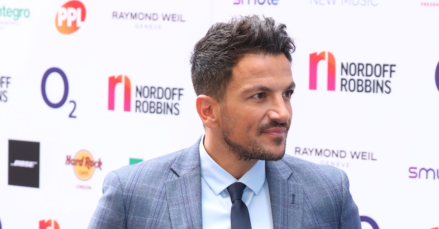 Peter Andre shows off new lockdown haircut by wife Emily