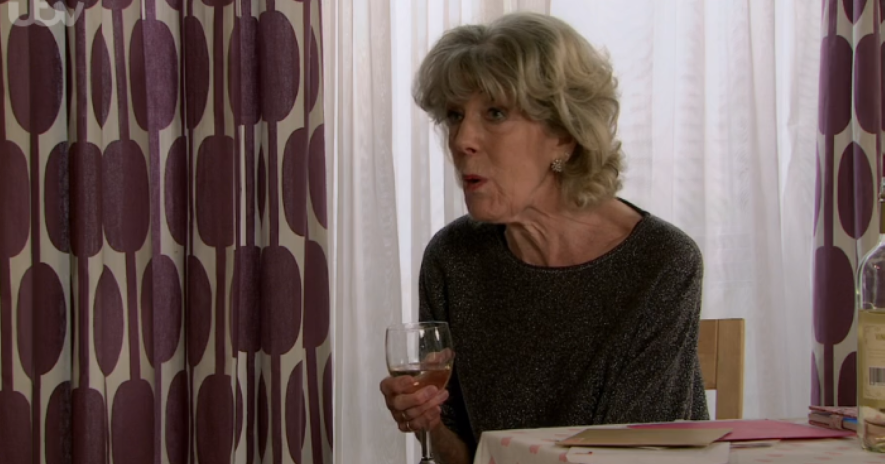 Coronation Street viewers in stitches as Audrey forgets HUGE storyline