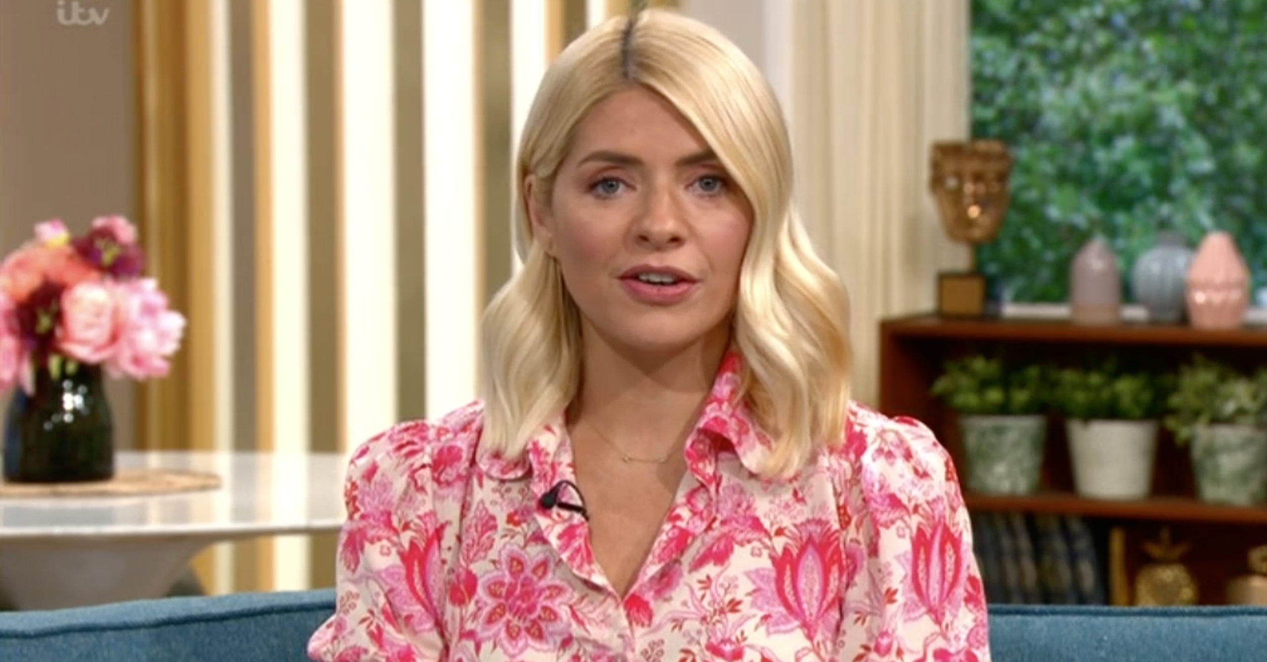 This Morning fans 'horrified' at the cost of Holly Willoughby's designer outfit
