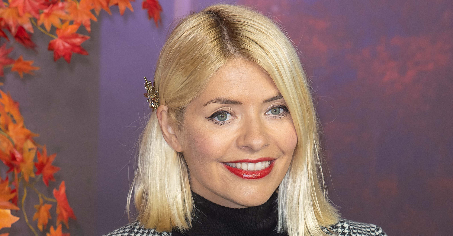 Holly Willoughby goes make-up free for Zoom call with gal pals