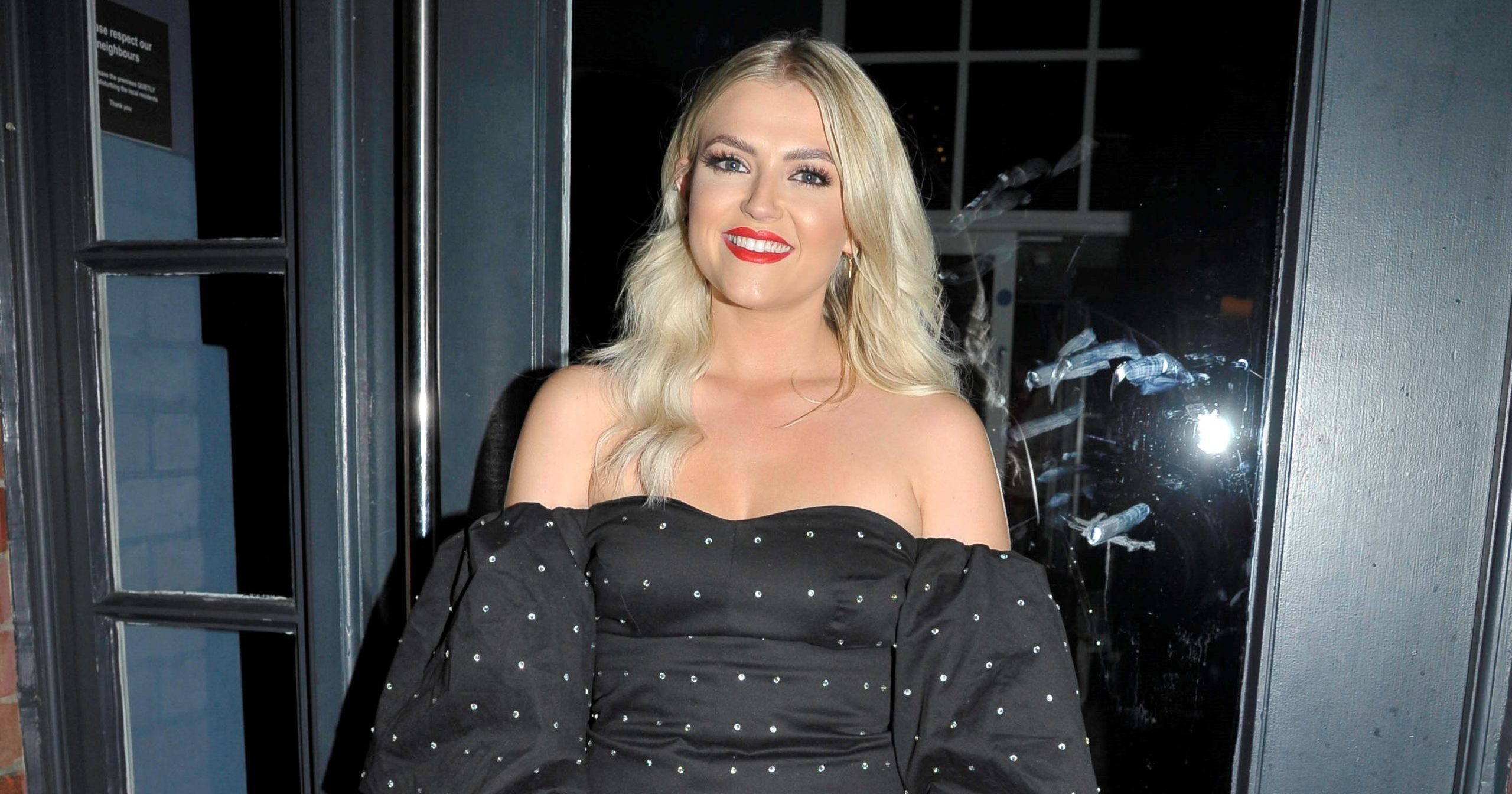 Former Coronation Street star Lucy Fallon selling her clothes online as coronavirus stops TV productions