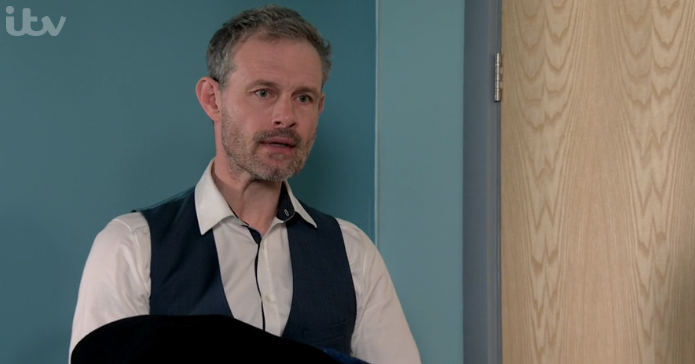 Coronation Street fans blast 'selfish' Nick as he kicks off at Steve and Leanne over Oliver