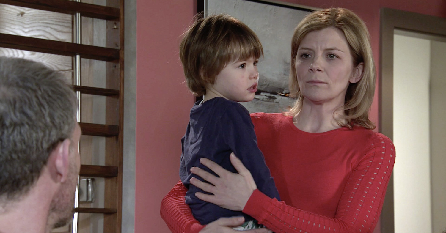 Coronation Street SPOILERS: Things begin to look up for Oliver?